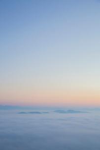 三次の霧の海の写真素材 [FYI01746563]