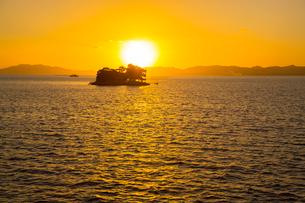 宍道湖嫁ヶ島の残照の写真素材 [FYI01746789]