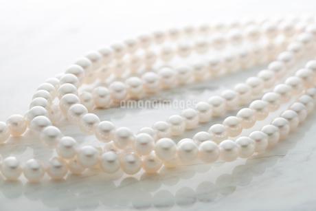 真珠のネックレスの写真素材 [FYI01746883]