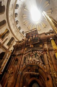 イスラエル,エルサレムの聖墳墓教会の写真素材 [FYI01746996]