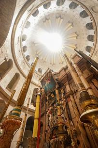 イスラエル,エルサレムの聖墳墓教会の写真素材 [FYI01747136]