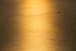 尾道向島より輝く瀬戸内海の写真素材 [FYI01747505]