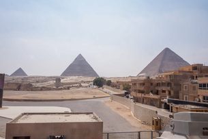 エジプト,ギザのピラミッドとスフィンクスの写真素材 [FYI01747539]