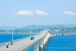 角島側より角島大橋の写真素材 [FYI01747898]