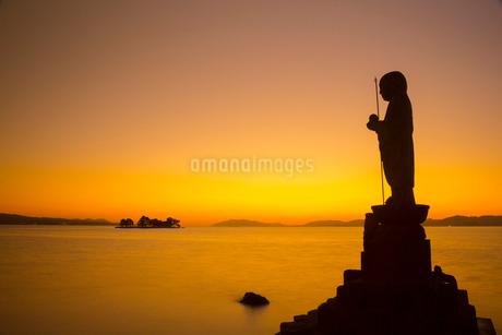 宍道湖嫁ヶ島の残照の写真素材 [FYI01748098]