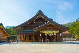 出雲大社の拝殿の写真素材 [FYI01748251]