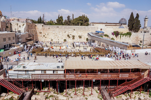イスラエル,エルサレムの嘆きの壁と岩のドームの写真素材 [FYI01748542]