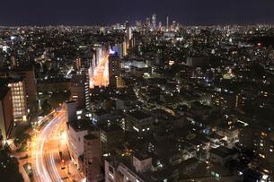 東京夜景 池袋と春日通りの写真素材 [FYI01749662]