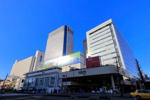 品川駅高輪口 ウィング高輪WESTの写真素材 [FYI01749952]