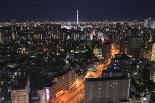 東京夜景 東京スカイツリーの写真素材 [FYI01750022]