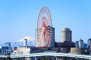 お台場と富士山の写真素材 [FYI01750160]