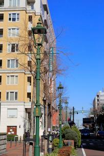 横浜馬車道のガス灯通りの写真素材 [FYI01750299]