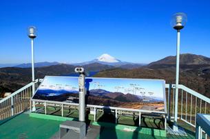 大観山から眺める富士山の写真素材 [FYI01751122]