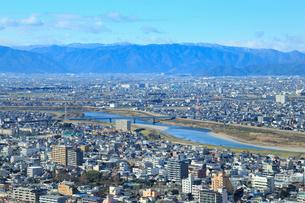 長良川と岐阜の町並みの写真素材 [FYI01751202]