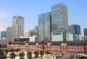 東京駅 丸の内駅前広場の写真素材 [FYI01751894]