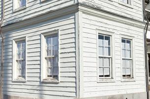 古い建物の窓の写真素材 [FYI01752050]