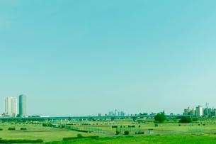 二子多摩川の河川敷の写真素材 [FYI01752288]