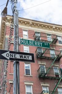 ニューヨーク リトルイタリーの街並の写真素材 [FYI01752634]