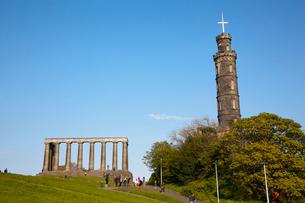 カールトン・ヒルのネルソン記念塔とナショナル・モニュメントの写真素材 [FYI01752653]
