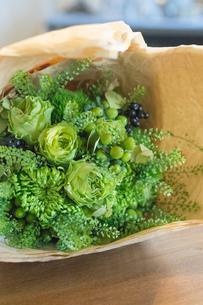グリーンの花束の写真素材 [FYI01752664]