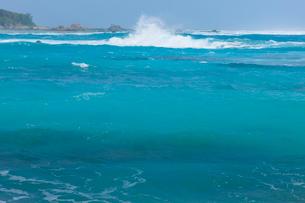 波の写真素材 [FYI01753258]