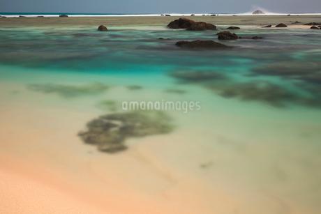 土盛海岸の浜辺の写真素材 [FYI01753388]