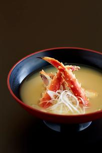 タラバガ二の味噌汁の写真素材 [FYI01754978]
