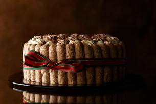 チョコレートのシャルロットの写真素材 [FYI01755088]