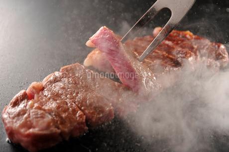 黒毛和牛ステーキの写真素材 [FYI01755158]