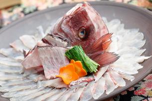 鯛のしゃぶしゃぶの写真素材 [FYI01755571]