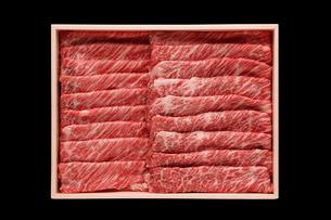 A-5ランクの黒毛和牛(すき焼き)の写真素材 [FYI01755591]