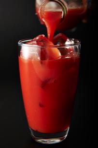 トマトジュースの写真素材 [FYI01755660]