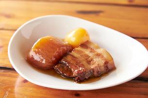 豚の角煮の写真素材 [FYI01755698]