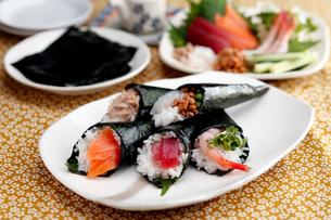 手巻き寿司の写真素材 [FYI01755910]
