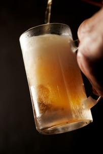 ビールのイメージの写真素材 [FYI01756360]