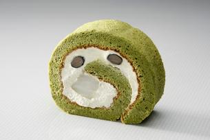 抹茶のロールケーキの写真素材 [FYI01756872]