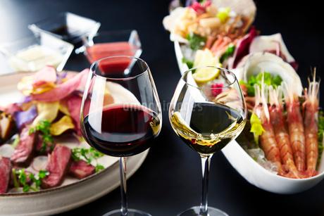 ワインで乾杯の写真素材 [FYI01756964]