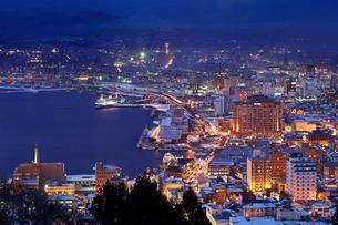 函館 冬の夜景の写真素材 [FYI01756985]