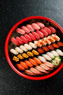 北海鮨セット(黒バック)の写真素材 [FYI01757328]