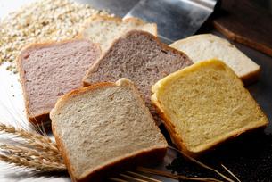 5食パンの写真素材 [FYI01758085]
