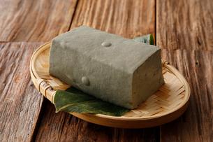 黒い豆腐の写真素材 [FYI01758325]