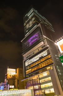 渋谷ヒカリエ夜景の写真素材 [FYI01758677]