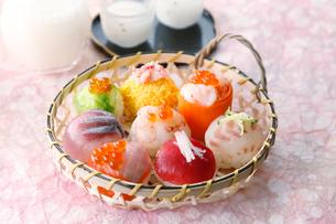 手まり寿司の写真素材 [FYI01758706]