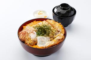 カツ丼の写真素材 [FYI01758749]