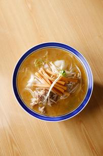 上から見た札幌味噌ラーメンの写真素材 [FYI01759032]
