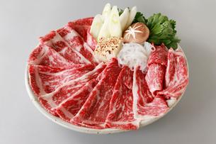 和牛すき焼きセットの写真素材 [FYI01759464]