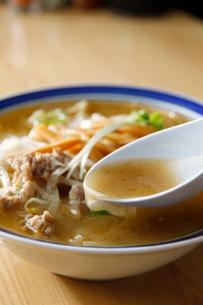 札幌味噌ラーメンのスープの写真素材 [FYI01759585]
