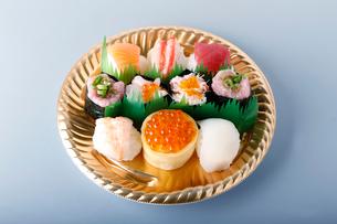 海鮮手まり寿司の写真素材 [FYI01760411]