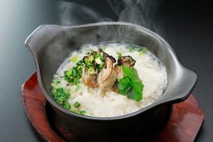 牡蠣雑炊の写真素材 [FYI01760698]