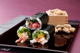 巻き寿司の写真素材 [FYI01760709]